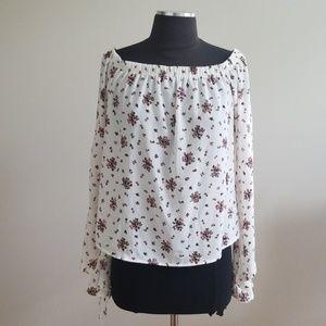 NWT! Ultra Flirt White Floral Print Size XS top